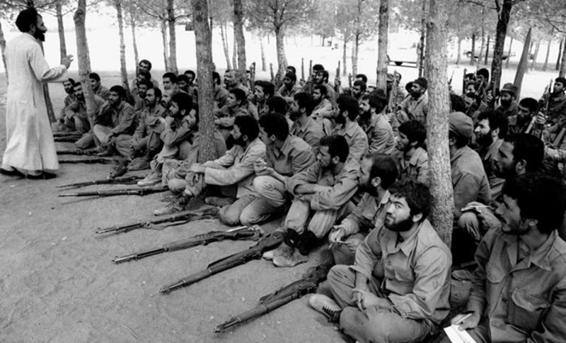 Iranian troops with M1 Garands during an islamic indoctrination session during the 1980-1988 war
