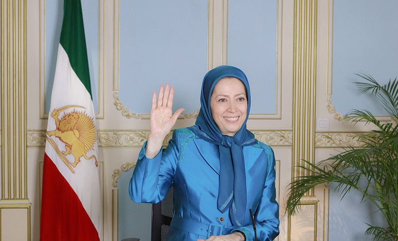 Maryam Rajavi: Hail to the brave people of Mashhad, Shiraz, Karaj, Sirjan, Ahvaz & other cities in Khuzestan who have risen to protest the gasoline price hike by the corrupt and criminal mullahs, & are chanting death to dictator & Rouhani.
